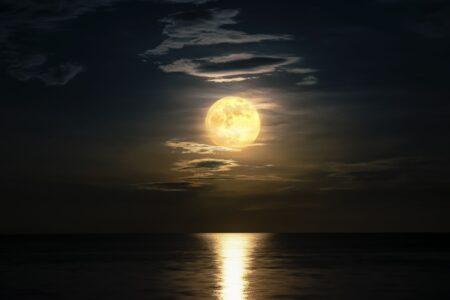 Slapen we slechter bij volle maan?