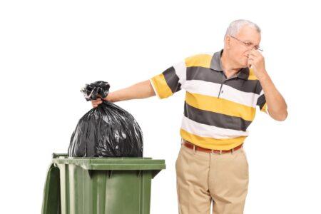 Hoe zorg je ervoor dat de afvalcontainer niet stinkt?